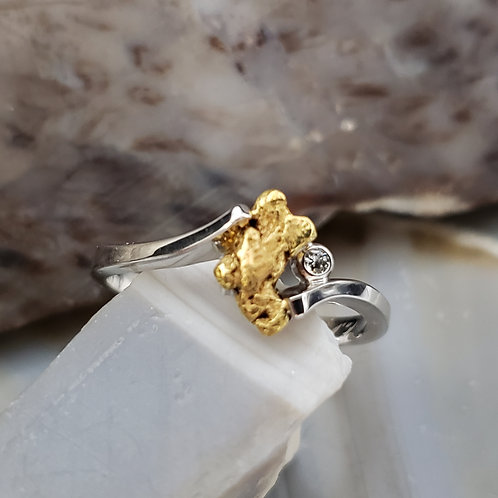 Gold Nugget Ring with Diamond