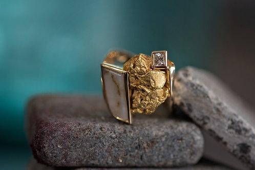 Gold Bearing Quartz, Gold Nugget and Diamond Ring