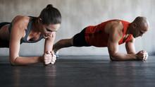 Estabilidad, resistencia, corrección postural; algunos beneficios de entrenar el CORE