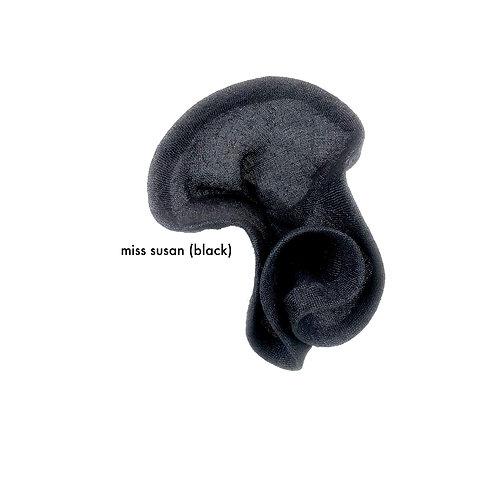 Miss Susan (black)
