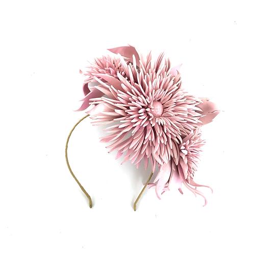 The Dahlia Garland (pink)