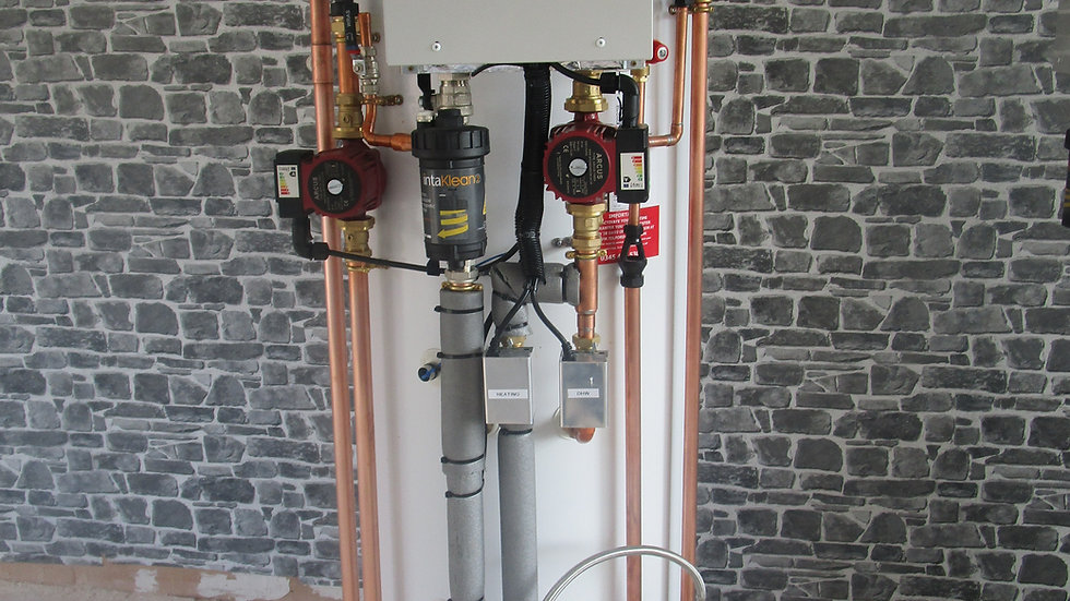 200 litre Samsung Pre Plumbed, pre wired ASHP Ultimate cylinder