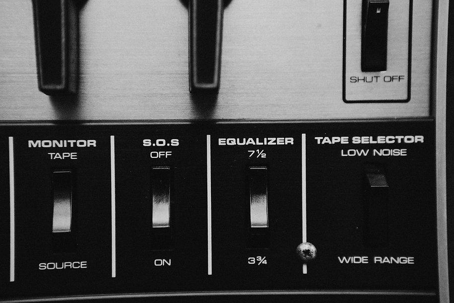 audio-equipment-349846.jpg