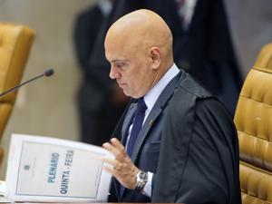 Alexandre de Moraes suspende decisão que permitia desconto sindical em folha