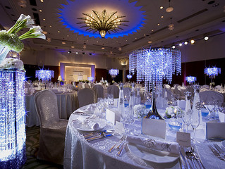 Add some sparkle to your wedding reception in a dazzling way