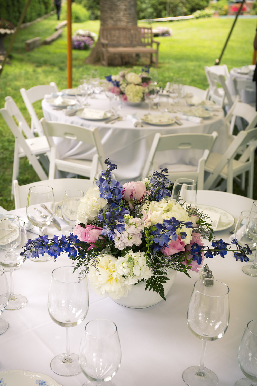 outdoor event tablescape