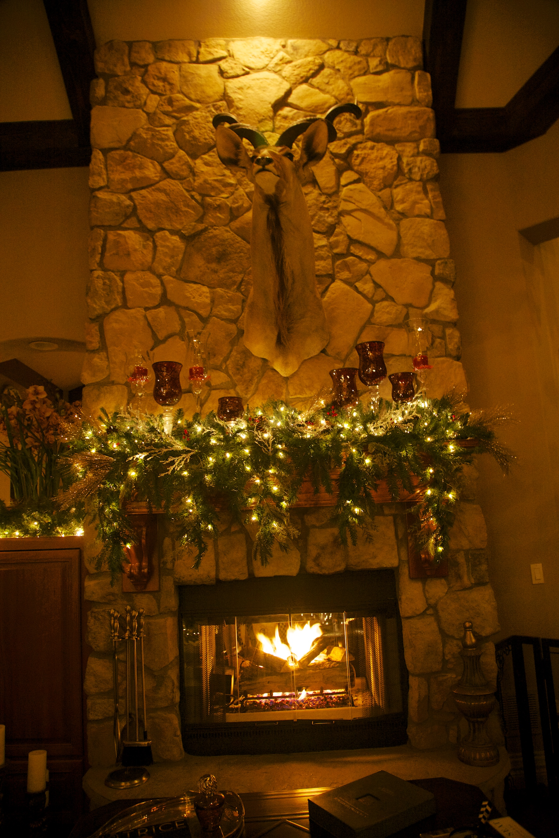 white Christmas, red touches fireplace 2 - - Party Planner Denver.jpg