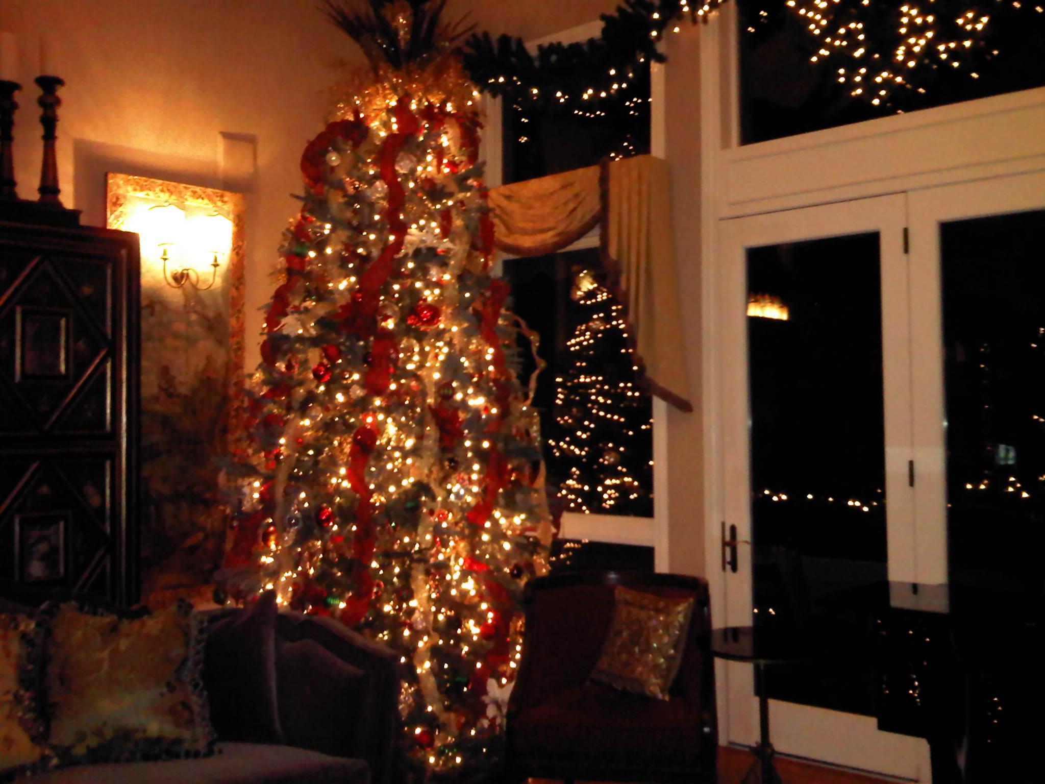 red, white, gold Christmas tree and decor - Party Planner Denver.jpg