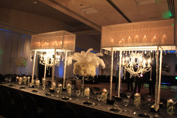 black & white wedding table.jpg