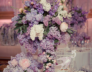 When planning the look of your event centerpieces, you should be aware of these do's and don'ts!