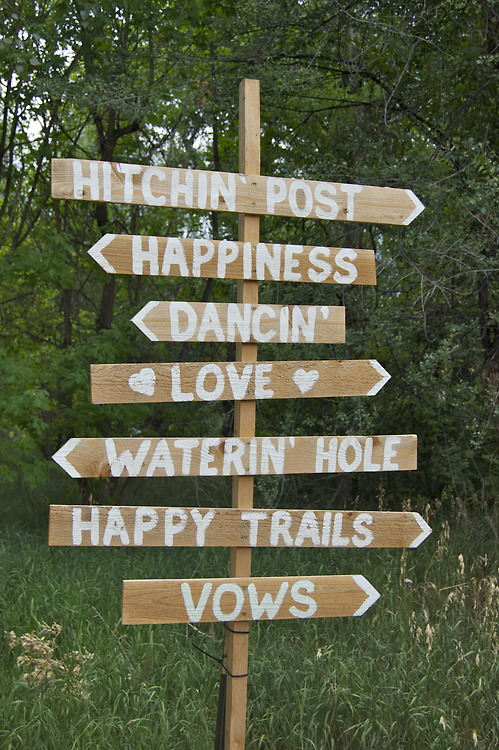 country wedding ceremony signage 8.jpg