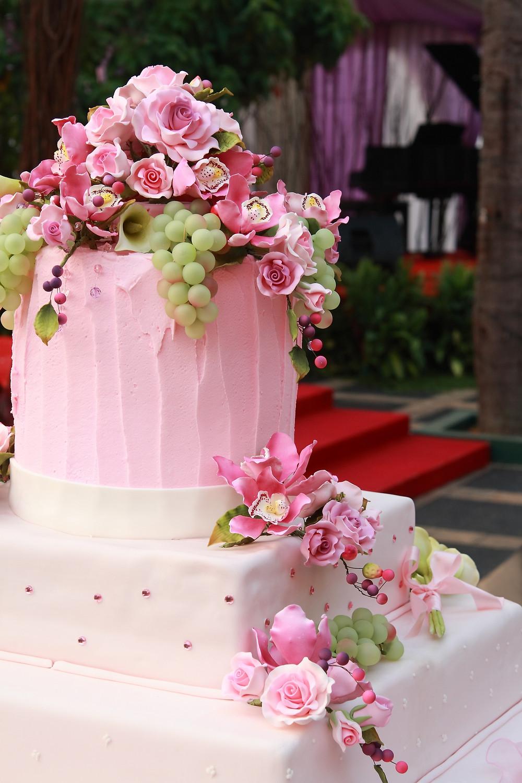spring foundant cakes