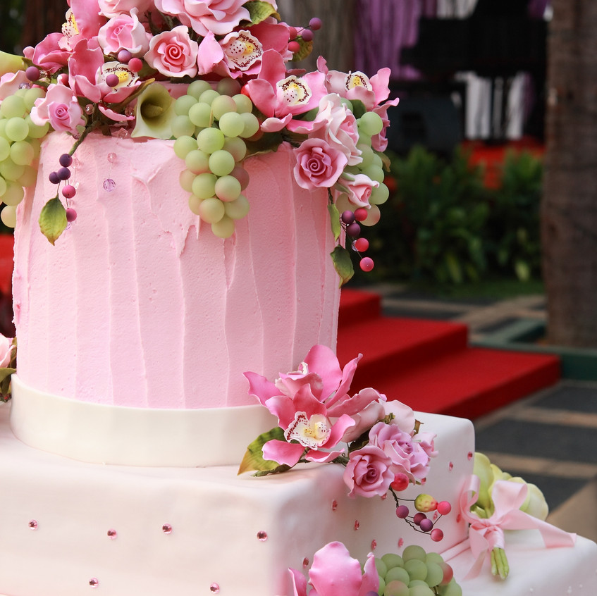 pink & white cake
