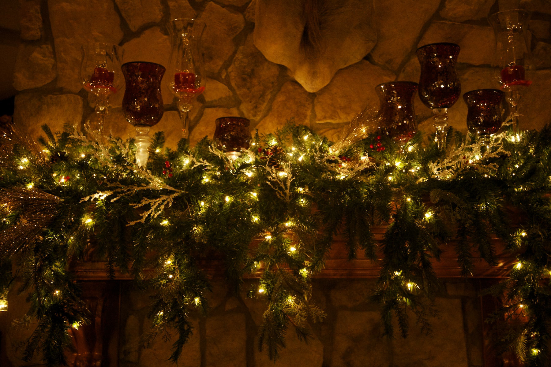 white Christmas red touches fireplace 5- Party Planner Denver.jpg
