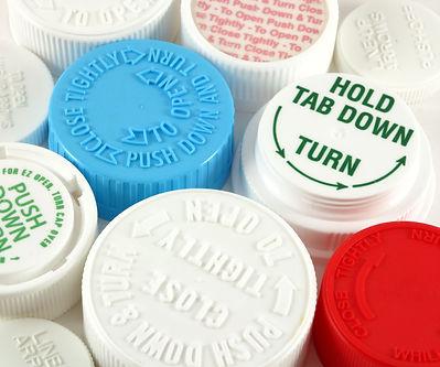 medication safety cap AdobeStock_5502146