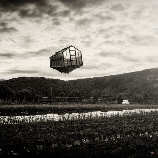 Floating greenhouse