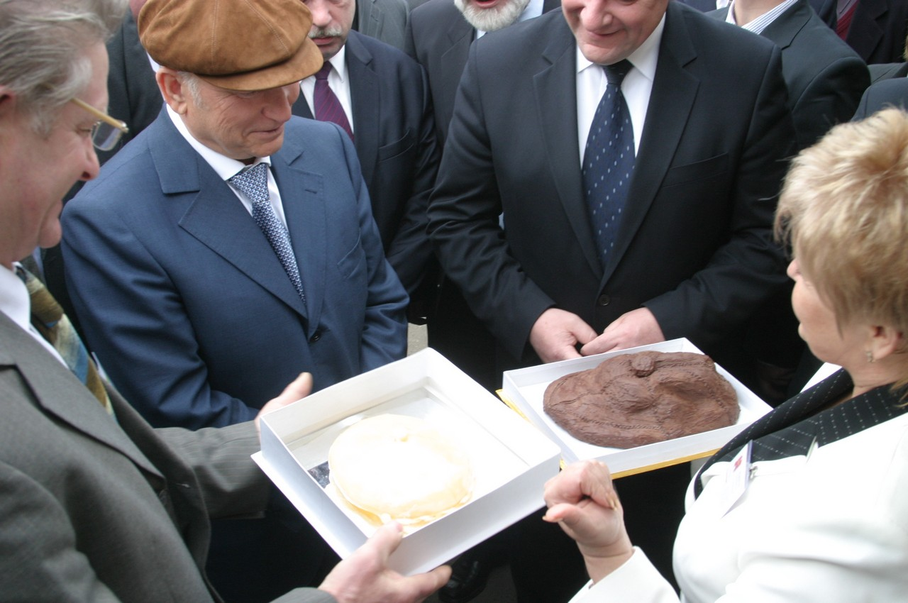 Ю.М.Лужков