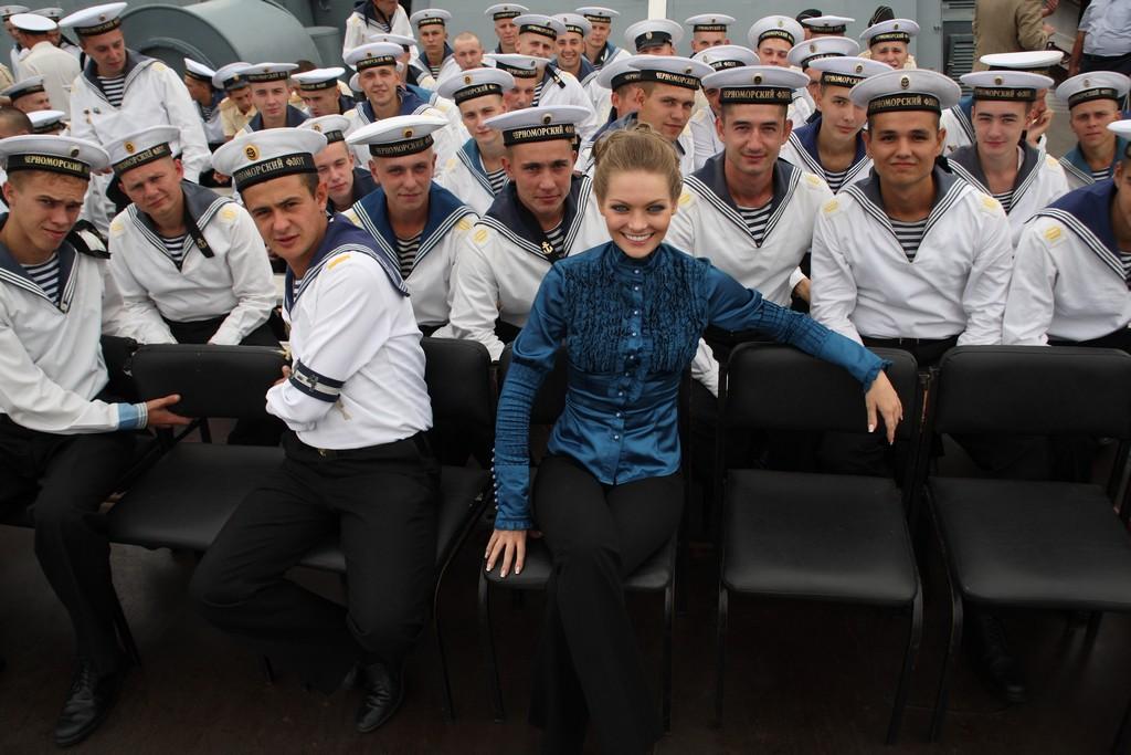 """Юлия Гончарова на крейсере """"Керчь"""""""