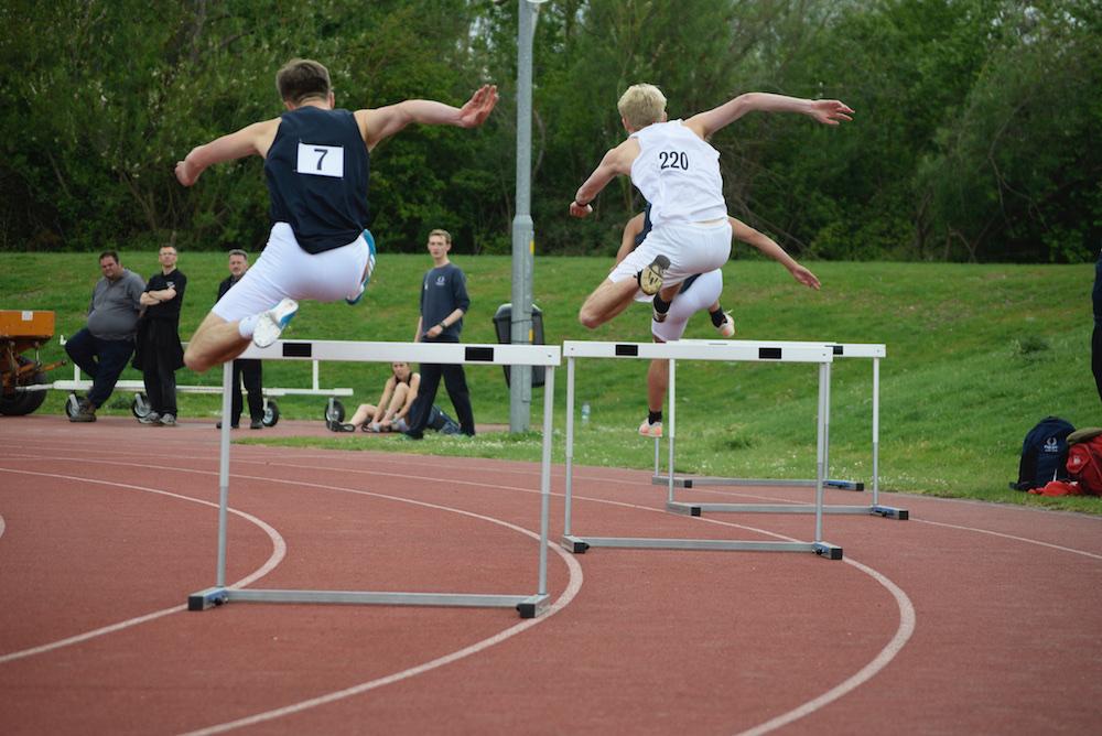 hurdlesstart.jpg