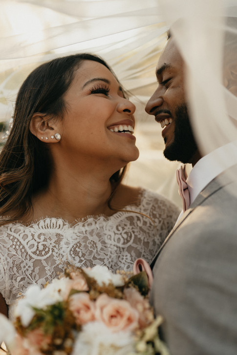 bride_groom_romantics-16.jpg