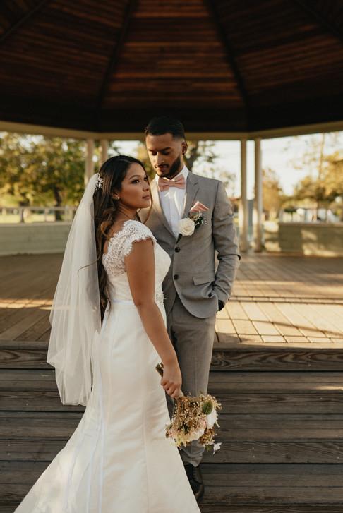 bride_groom_romantics-21.jpg