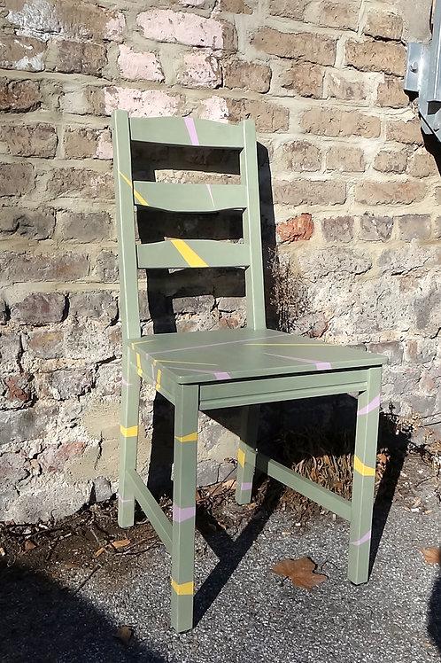 Stuhl No. 2 (gelbe und rosa Streifen)