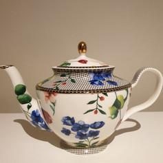 'Bridgette' teapot $10
