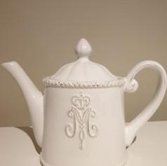 'Victoria Ivy' teapot $7
