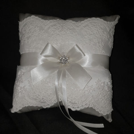 'Ring' pillow $5