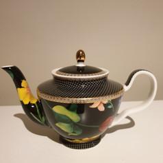 'Contessa' teapot $7