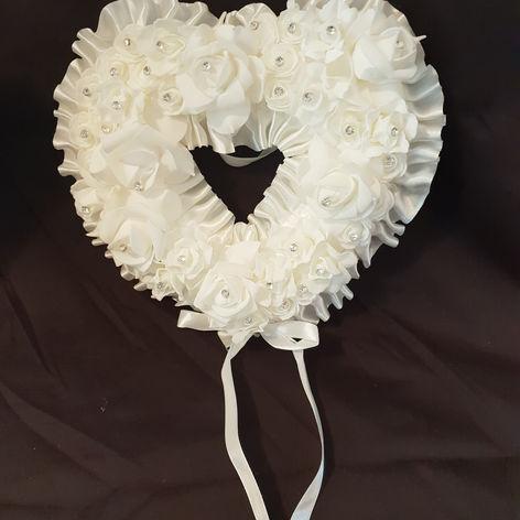 'Heart' Kissing ball $5