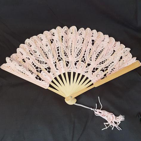 'Lucy' fan lace $5