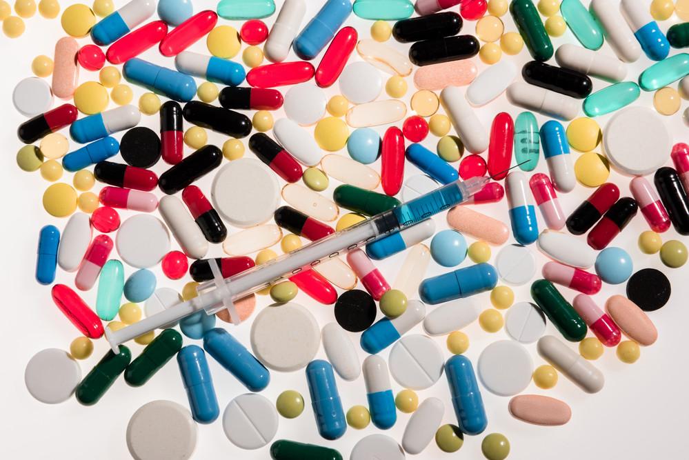 O tratamento da trombose é realizado com anticoagulantes.