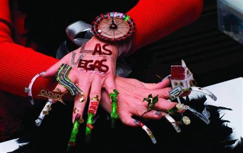 #4-Top-10-most-crazy-unusual-nail-art-designs-LasVegas-Travel-theme.jpg