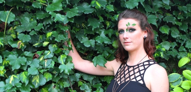 Makeup-artist-Eva-Norwich-Norfolk-forest-green-leaves-style.JPG