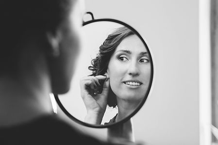 Great photograpfy of a Bride with Classic makeup look by makeup artist Eva