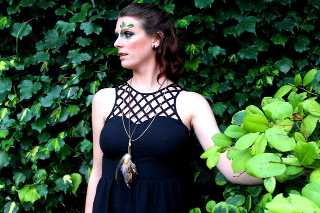Forest-green-makeup-black-dress-feather-neckless-leaves-Norwich-Norfolk.JPG