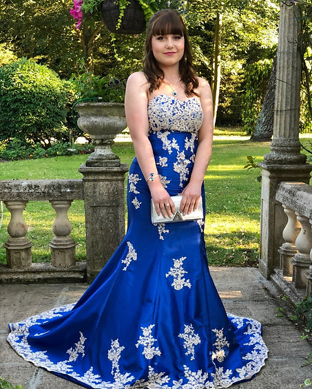 Prom_makeup_graduation_blue_prom_dress_young_girl