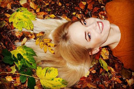Fall_autumn_makeup_photoshoot_ideas.jpg.