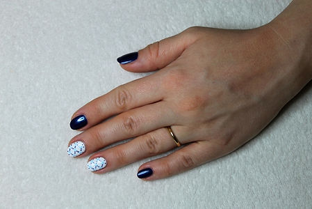 Elegant Dark Blue nails