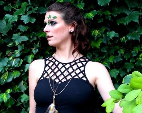 Forest-green-makeup-black-dress-feather-neckless-leaves-Norwich-Norfolk.JPG