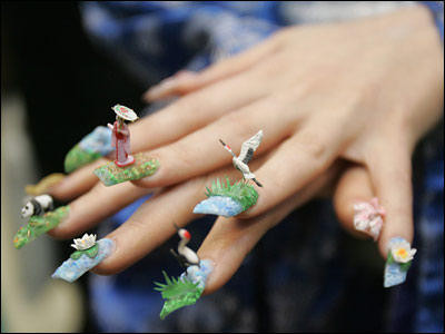 #1-Top-10-most-crazy-unusual-nail-art-designs-China-goose-asian-theme.jpg