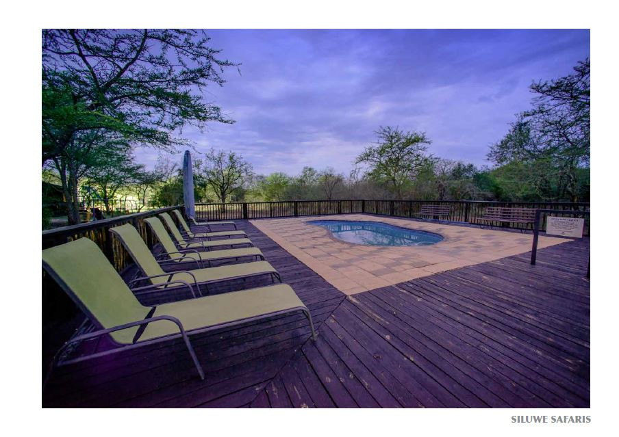 Mulati Deck and swimming pool