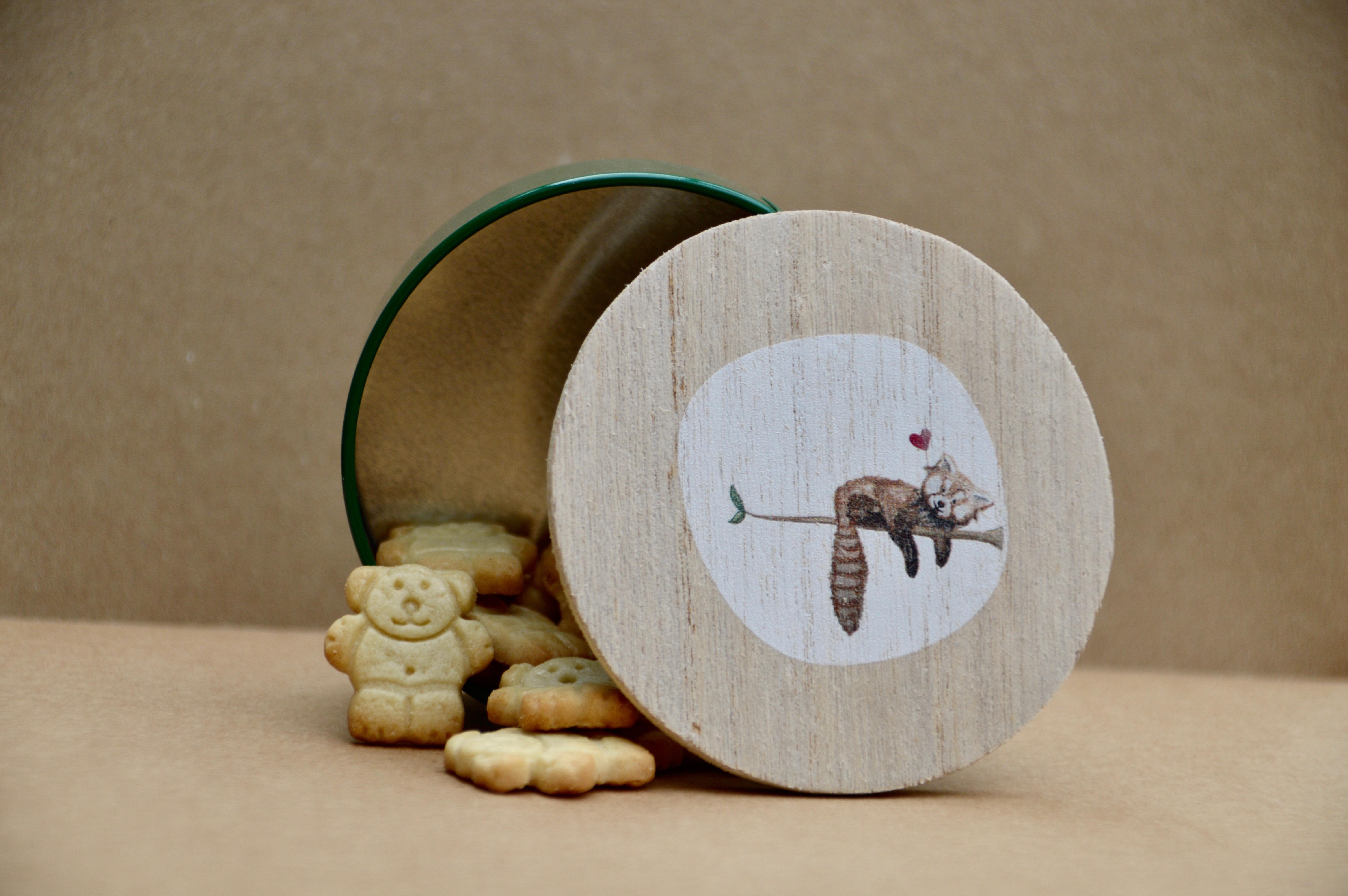Koekendoosje met houten deksel