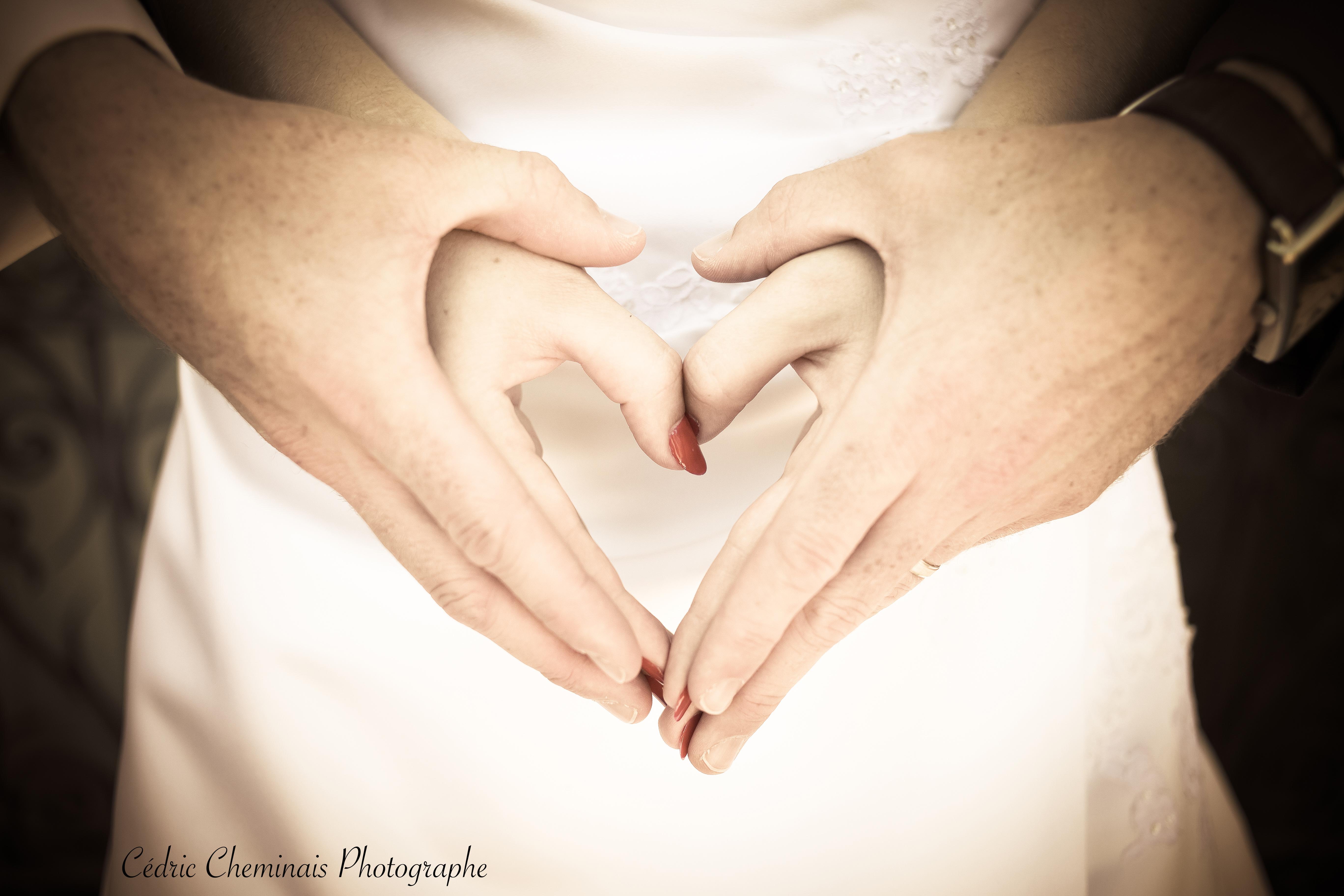 Mariés Coeur Mains liées