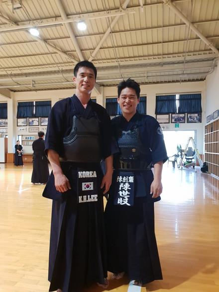 각국의 검도 선수들과 연습