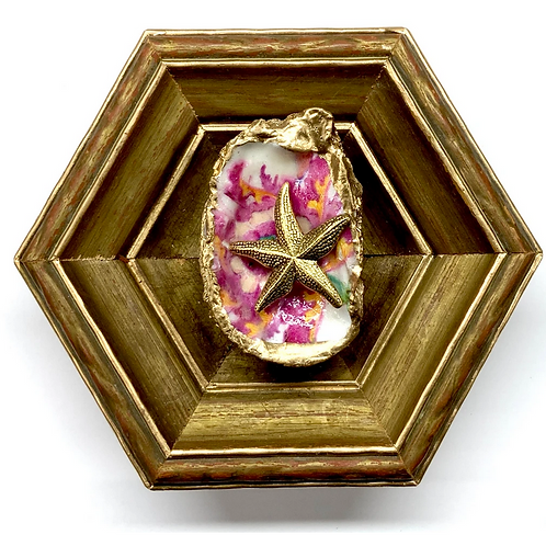 #9847 Gilt Frame with Starfish on Oyster Shell