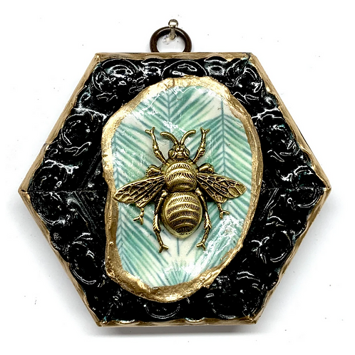 #9843 Painted Frame with Grande Bee on Oyster Shell