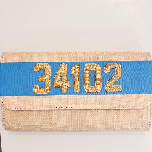#11973 34102 Straw Capri Blue Clutch