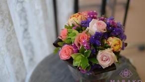 トルコ出身のベティさんがお気に入りのバラで、「丸い花束」2回目のレッスンの履習作品をご紹介いたします。